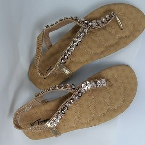 Forever Women's sandals size 7.5 decorative metal